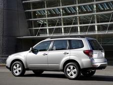 Autoesittely Subaru Forester 2008-2010