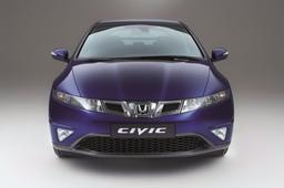 Autoesittely Honda Civic 2010-2011