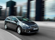 Autoesittely Toyota Prius+ 2012