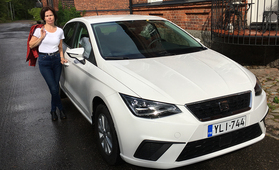 Kaupanpäällisenä 1500 euron arvosta polttoainetta – Leena löysi yksityisleasing-auton kilpailutuksen kautta