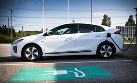 Näissä kunnissa sähköautoillaan eniten - autojen määrän odotetaan kaksinkertaistuvan tänä vuonna