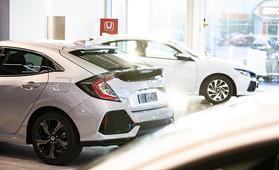 Auton merkkihuoltoko kallis? Näistä syistä myytti marmoritiskistä on vanhentunut
