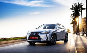 Enteileekö Lexus UX 300e täyssähköistä Toyotaa? Akkupaketin kapasiteetiksi kerrotaan 54,3 kWh