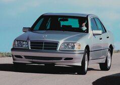 Autoesittely Mercedes-Benz C-sarja W202
