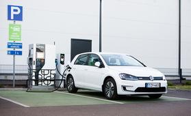 Volkswagen Golffaa sähköisesti - koeajossa e-Golf