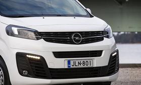 """Tiukasta kilpailutuksesta huolimatta merkki on pysynyt samana – """"Opel Vivaro tarjoaa parhaan hinta-laatusuhteen"""""""