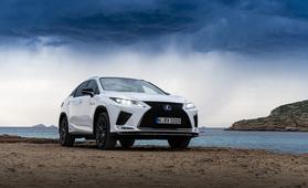Koeajossa Lexus RX 450h (vm. 2020) – V6-bensakone yhdistyy kahteen sähkömoottoriin