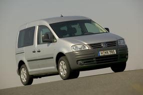 Autoesittely Volkswagen Caddy Kombi 2004