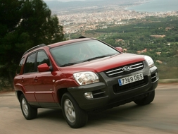 Autoesittely Kia Sportage 2005