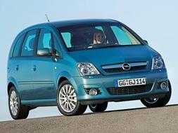 Autoesittely Opel Meriva 2004