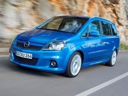 Autoesittely Opel Zafira 2009