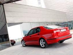 Autoesittely Saab 9-5 2006
