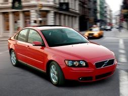 Autoesittely Volvo S40 2005