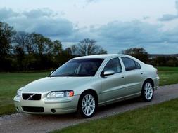 Autoesittely Volvo S60 2002