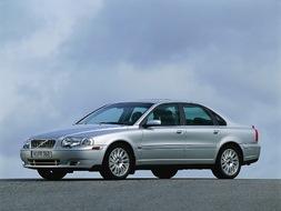 Autoesittely Volvo S80 2001