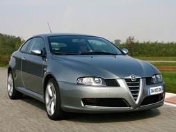 Autoarvio: Koeajossa Alfa Romeo GT 2.0 JTS