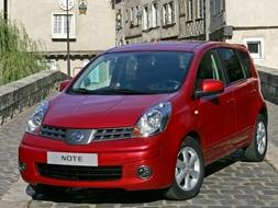 Autoesittely Nissan Note 2006