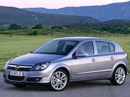 Autoarvio: Koeajossa Opel Astra 5-ov Enjoy 1.9 CDTI DT 88kW