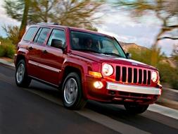 Autoesittely Jeep Patriot 2008