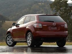 Autoesittely Mazda CX-7 2011