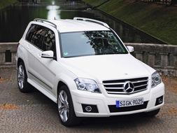 Autoesittely Mercedes-Benz GLK 2008