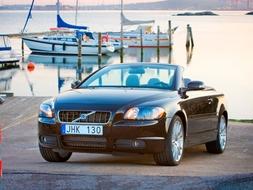 Autoesittely Volvo C70 2008
