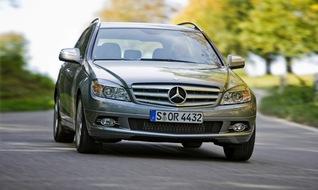 Autoesittely Mercedes Benz C-sarja (2010)