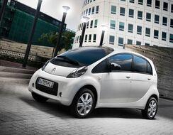 Autoesittely Citroën C-Zero 2012