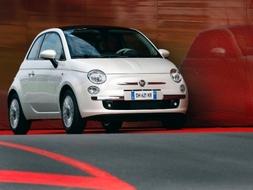 Autoesittely Fiat 500 2008
