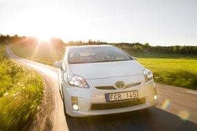 Autoesittely Toyota Prius (2010)