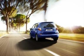 Autoesittely Toyota Verso-S 2012