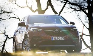 Alkuvuoden kovin hintajulkistus? Tilava pistokkeesta ladattava Opel Grandland X: 39900 €