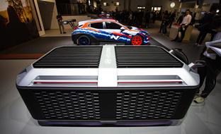 """Frankfurtin autonäyttelyn erikoiset: Arvaisitko kuvan """"arkun"""" käyttötarkoituksen?"""