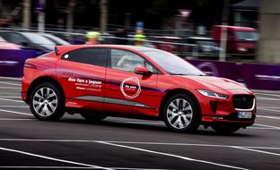 Autot tuottavat hurjan määrän ajodataa – näin Jaguar hyödynsi I-Pacea musiikin tuottamisessa