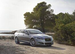 Autoesittely Jaguar XF Sportbrake 2013