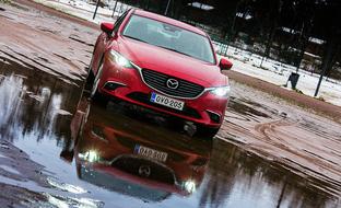 Koeajossa tyylipuhdas sedan: Mazda6