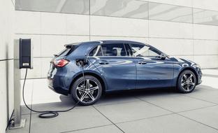 "Hienoa Mercedes-Benz! Tällainen on ""Suomi-Mersun"" plugin-hybridimalli A 250 e"