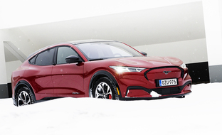 Ensifiilistelyssä Ford Mustang Mach-E – täyssähköinen napakymppi