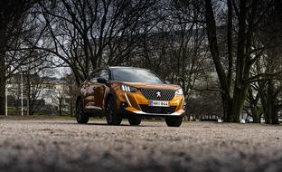 Houkutteleeko jo? Täyssähköisen Peugeot e-2008 -katumaasturin hinnat alkavat Suomessa 36373 eurosta
