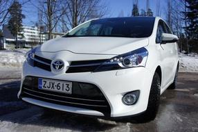 Autoesittely Toyota Verso 2013