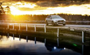 Volvo dominoi lataushybrideissä – vauhti kovempi kuin kolmella pahimmalla kilpailijalla yhteensä
