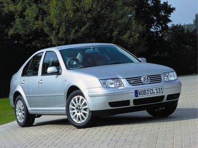 Autoesittely Volkswagen Bora (1998-2005)