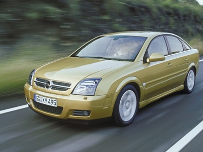 Autoesittely Opel Vectra (2002)