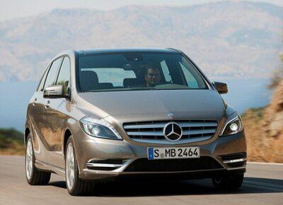 Autoesittely Mercedes-Benz B-sarja (2011)
