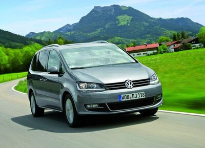 Autoesittely Volkswagen Sharan 2012