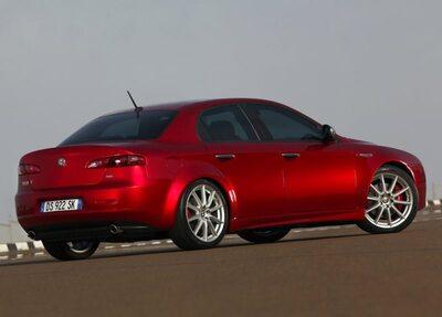 Autoesittely Alfa Romeo 159 2005-2012