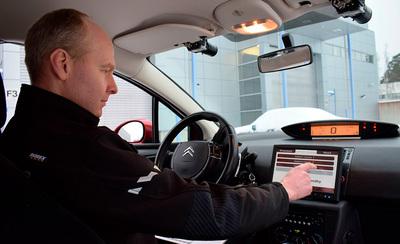 Robottiautoilusta tulee pian arkipäivää - näin itsestään ajavat autot ovat kehittyneet