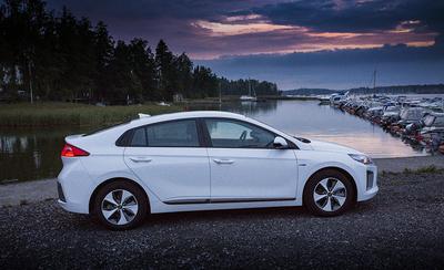 Onko edullinen hyvä? Koeajossa Hyundai Ioniq Electric -täyssähköauto