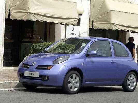 Autoesittely Nissan Micra 2003-2010
