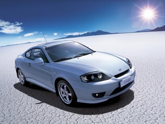 Autoesittely Hyundai Coupe (2002)